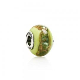 vetro verde pisello con polvere oro